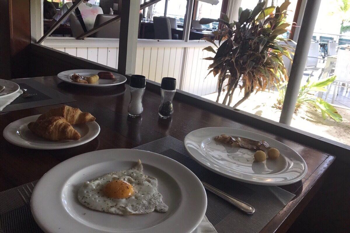メトル島の朝食