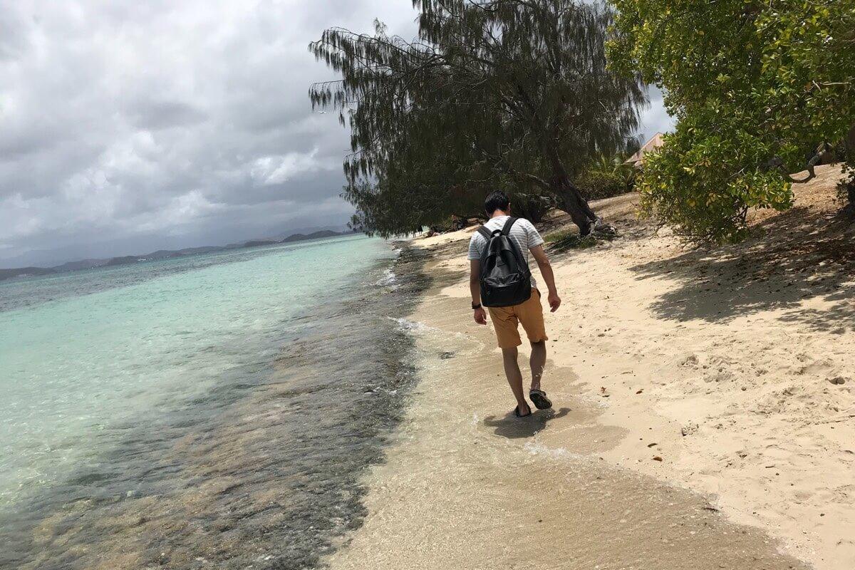 メトル島の海岸をお散歩