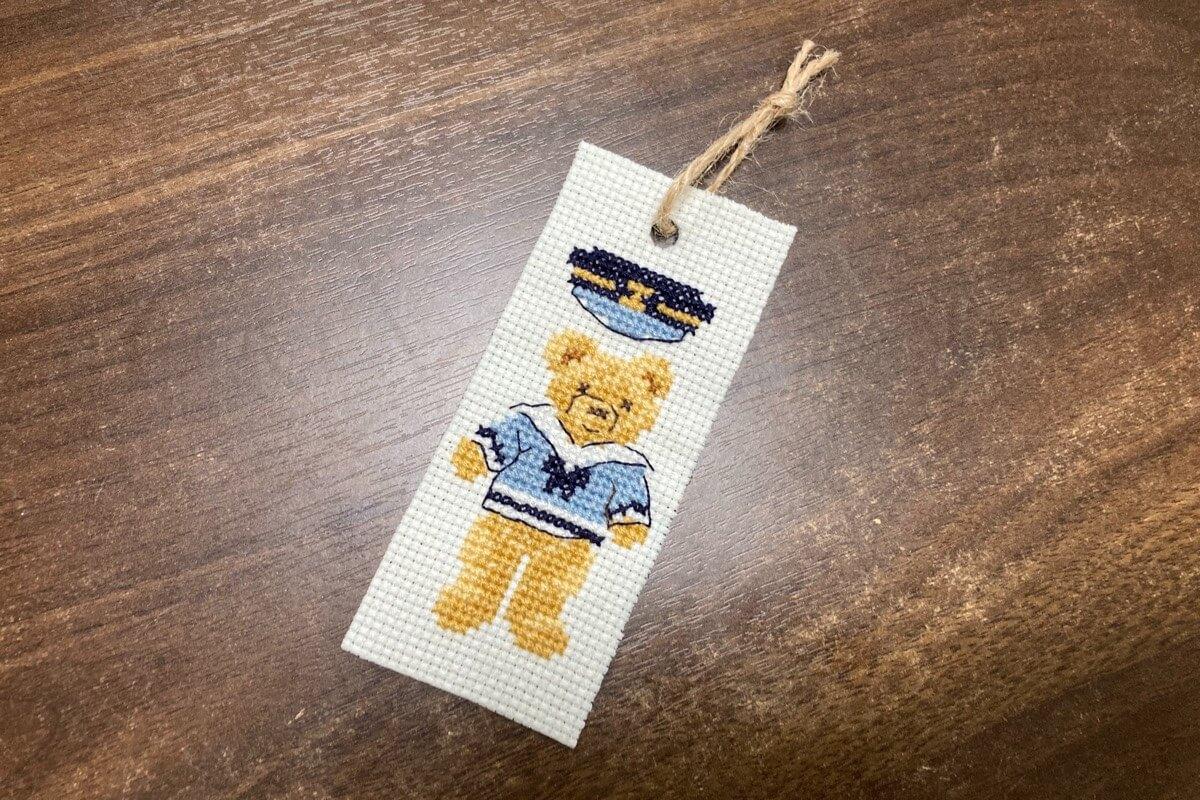 クロスステッチ刺繍で作った手作りしおりの作り方